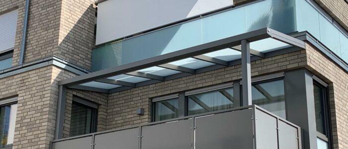 terrassendach auf balkon